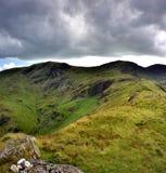 Ridge till Hart Crag från Hartsop ovanför hur fotografering för bildbyråer
