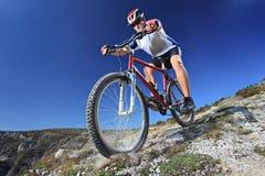 riding персоны bike Стоковые Фото