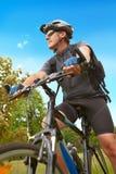 riding человека bike Стоковое Изображение