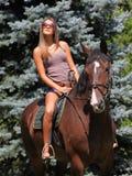 ridning för 2 hästrygg Royaltyfri Foto