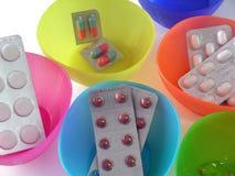 Ridurre in pani delle pillole Immagini Stock Libere da Diritti
