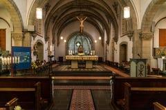 Rieden德国15 04 2018一个简单的教会的内部有空位行和美好的老天花板的 免版税库存照片