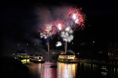 Riedenburg a Nigth con i fuochi d'artificio Immagine Stock