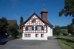 Riegelhaus i Schweiz royaltyfri fotografi