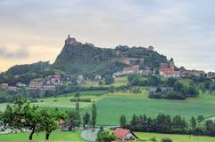 Riegersburg-Schloss über der Stadt von Riegersburg in Steiermark, Aust lizenzfreie stockfotos