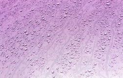 Riegue los descensos en superficie de metal con efecto de la falta de definición Fotografía de archivo