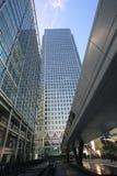 Riel transversal de Canary Wharf, Londres Fotografía de archivo libre de regalías