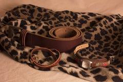 Riem en horloge op headscarves Stock Afbeelding