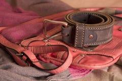 Riem en zak op headscarves Royalty-vrije Stock Fotografie