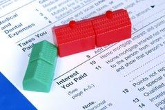 Riempimento della deduzione di interesse da contratto ipotecario fotografia stock libera da diritti