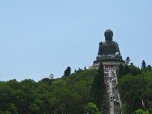 Riese Buddha auf den Berg Lizenzfreies Stockfoto