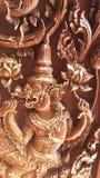 Riese geschnitzt vom Holz Stockfoto