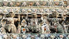 Riese im Tempel Lizenzfreie Stockbilder