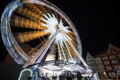 Riesenrad herein Gdansk nachts Lizenzfreie Stockbilder