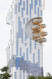 Riesenrad integriert im Turm Stockfotografie