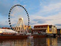 Riesenrad in Motlawa-Fluss in Gdansk Lizenzfreies Stockbild