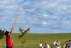 Riesige Blase im Himmel Stockbilder