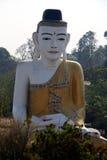 Riesige Buddha-Statue auf Myanmar stockfoto
