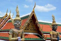 Riesige Dämonen Yaksha, der einen Ausgang zum großartigen Palast in Wa schützt Stockfoto