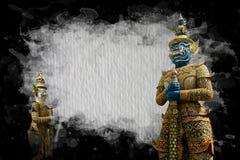 Riesige Statue auf Zusammenfassung malte Hintergrund Lizenzfreies Stockfoto