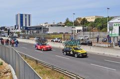 Riesige Teamautos Bahrains Mérida und des Lottos Stockbilder