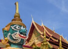 Riesige Wächterstatue von Wat Mixai-Tempel in Vientiane, Laos lizenzfreie stockbilder
