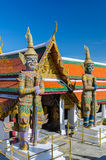 Riesiger Wächter bei Wat Phra Kaew, Tempel des Eme Stockfotografie