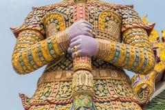 Riesiger Wächter in großartigem Palast Bangkoks, Wat Phra Kaeo Thailand Stockfotos