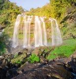 Riesiger Wasserfall, Paksa Lizenzfreie Stockfotos