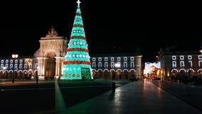 Riesiger Weihnachtsbaum im Freien Lizenzfreie Stockfotografie