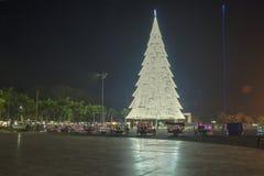 Riesiger Weihnachtsbaum von Tagum-Stadt, Tagum Davao Del Norte, Phili Lizenzfreie Stockfotografie