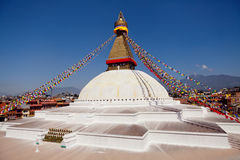 Riesiges buddhistisches stupa Boudhanath in Kathmandu Himalaja Nepal lizenzfreie stockbilder