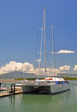 Riesiges Catarmaran Segeln-Boot in Fidschi. stockbilder
