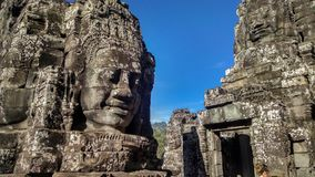 Riesiges Gesicht in Bayon-Tempel Kambodscha lizenzfreie stockbilder