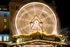 Riesiges Rad am Weihnachtsmarkt in Dresden Lizenzfreies Stockfoto