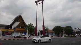 Riesiges Schwingen oder Sao Chingcha ist eine religiöse Struktur in Phra Nakhon stock footage