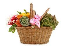 Rieten mand van groenten Stock Afbeelding