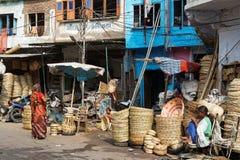 Rieten manden bij Udaipur-markt Royalty-vrije Stock Foto's
