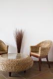 Rieten meubilair stock afbeeldingen