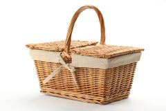 Rieten picknickmand Stock Afbeelding