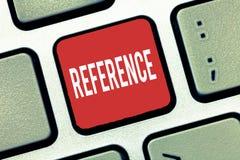 Riferimento di scrittura del testo della scrittura Significato di concetto che cita o che allude a qualcosa menzione di raccomand immagine stock