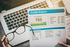 Riferisca le attività bancarie del punteggio di credito che prendono in prestito la forma di rischio dell'applicazione immagine stock libera da diritti