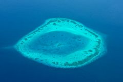 Riff des blauen Wassers Malediven-Luftpanoramas lizenzfreies stockfoto