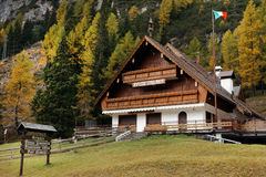 Riffuggio Staulanza in the Dolomites in autumn Stock Photography