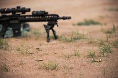 Rifle ar15 de Midlenght fotos de archivo
