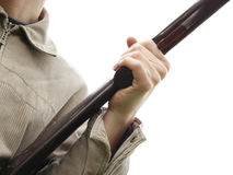 Rifle da terra arrendada da mão do homem Imagem de Stock