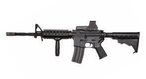 Rifle del Ejército del EE. UU. M4A1 con vista olográfica. Imagen de archivo libre de regalías