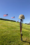 Rifle e bandeiras transversais da batalha fotografia de stock