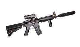 Rifle M15A4 isolado no fundo branco Rifle das forças armadas Espingarda de assalto Arma militar fotos de stock royalty free