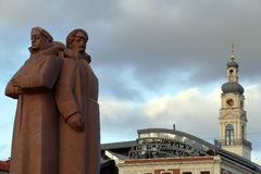 Riflemen letães vermelhos, Riga, Letónia imagem de stock royalty free